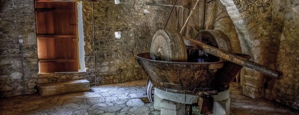 Blog Aroma Greek Finest Products - Olivenpresse