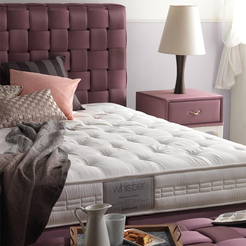 Boxspringbett KUSUKA mit Nachttisch und Bettbank