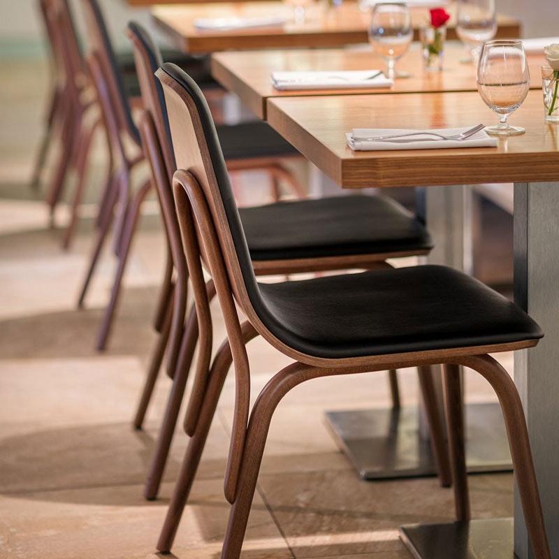 Bugholz Restaurantstuhl Modell TRAM by TON