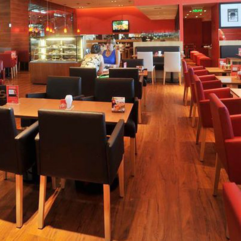 PALMA Restaurantstuhl mit geschlossenen Armlehnen