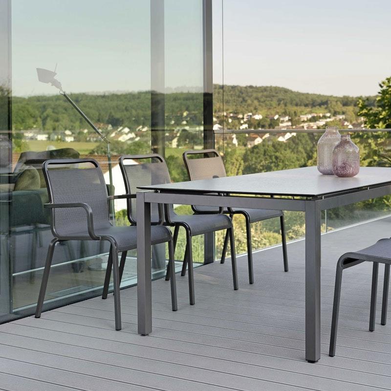 OSKAR Outdoor-Stapelsessel (Stern Möbel)